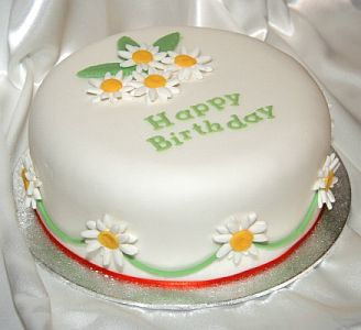 Birthday cake with daisies