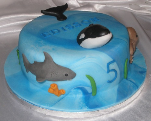 Sea creatures cake - shark, whale and octopus