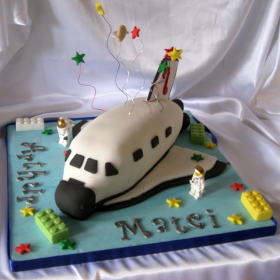 Space Shuttle cake with Lego figurines